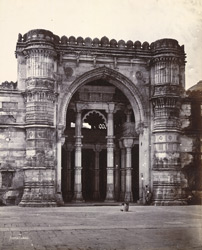 Central portion (iwan) of the façade of the Jami Masjid, Ahmadabad